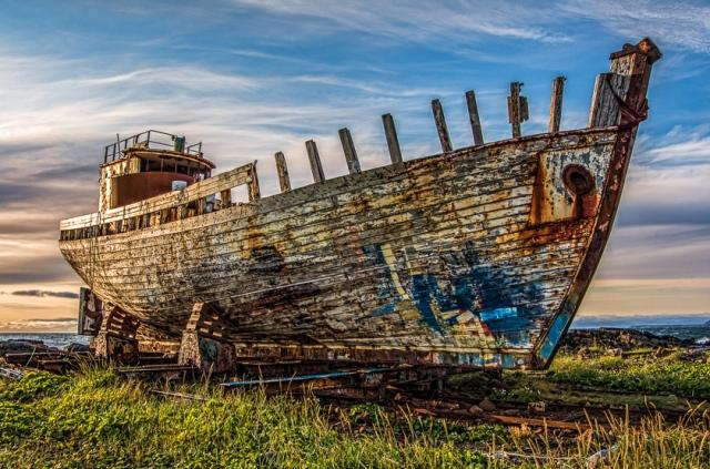 old-boat-west-iceland.jpg