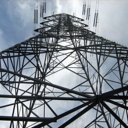 600px-Looking_at_a_pylon_up_from_the_bottom